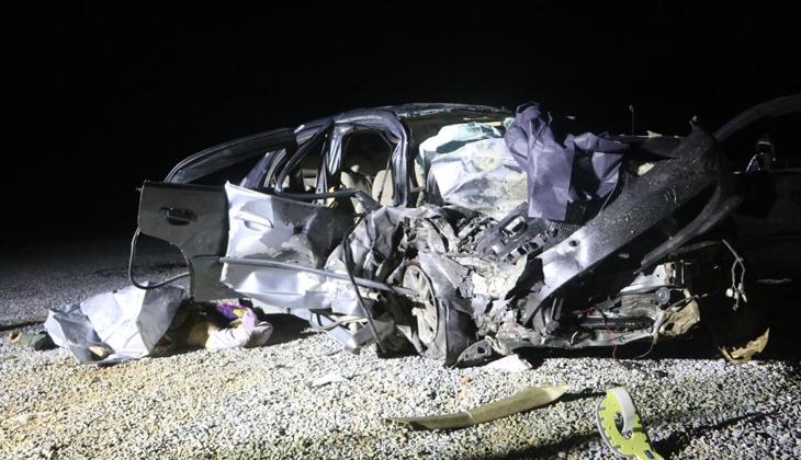 İki otomobil kafa kafaya çarpıştı: 3 ölü, 4 yaralı - Norm Haber